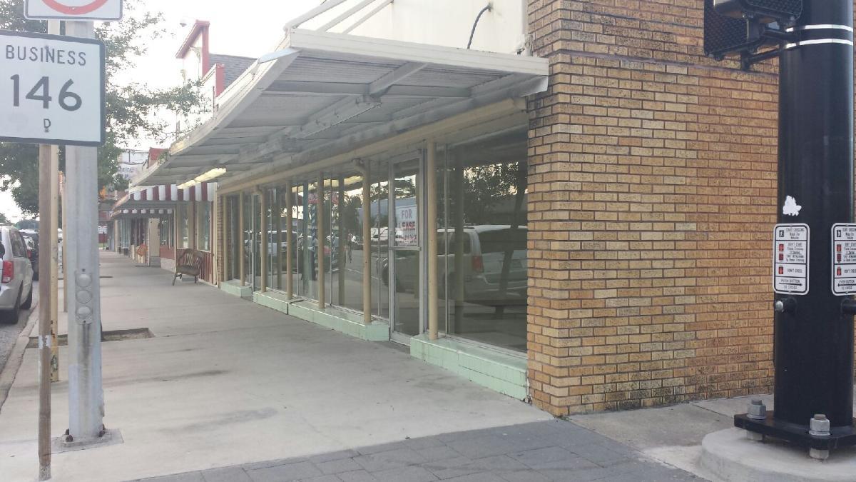 New furniture store opens in la porte texas laporte for La porte tx breaking news